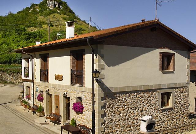 Casa rural Gaztelubidea en Benedo, Montaña Alavesa, Álava, Basque Country, País Vasco (España)