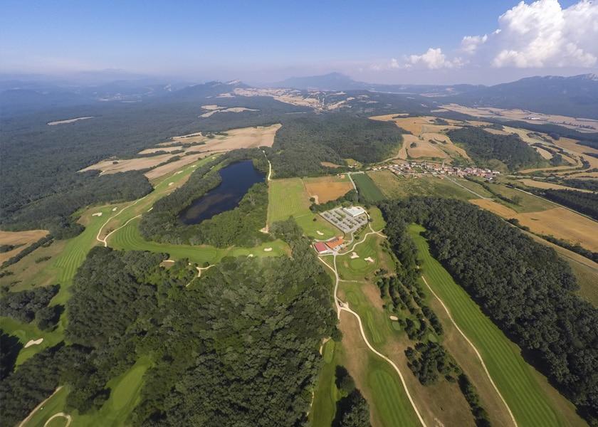 Izki Golf Club Urturi Alava Araba Campo Público de Golf hoteles rioja alavesa, montaña alavesa, vitoria-gasteiz